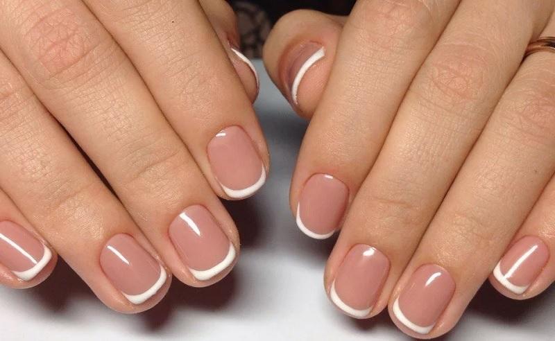 французский маникюр на короткие ногти