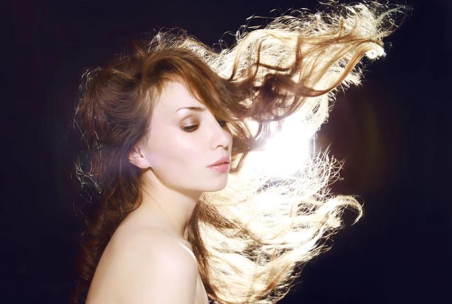 в какие дни стричь и красить волосы в январе