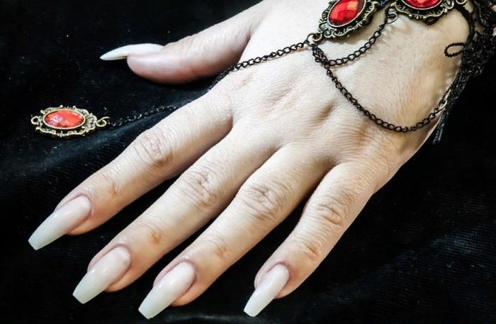 модные длинные ногти 2020
