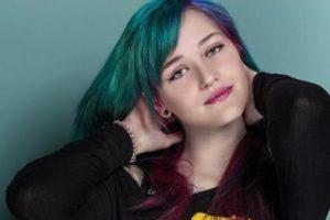 разноцветное галаетичнское окрашивание волос
