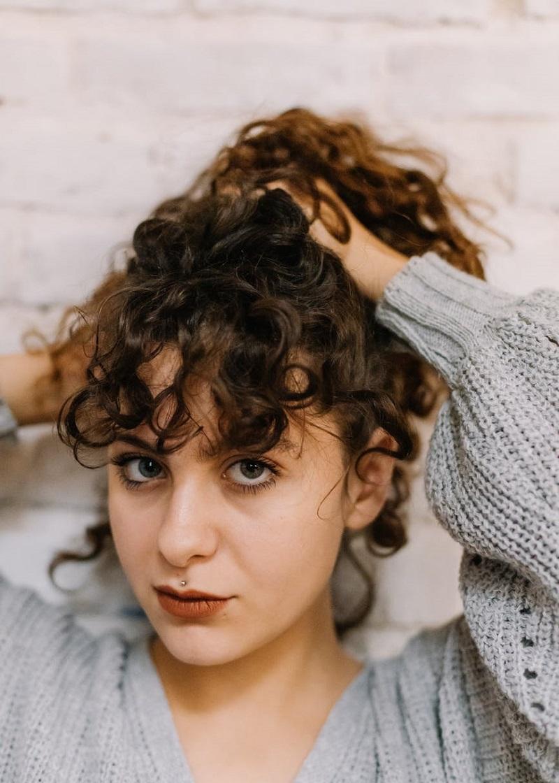 Салонный уход за поврежденными волосами после лета